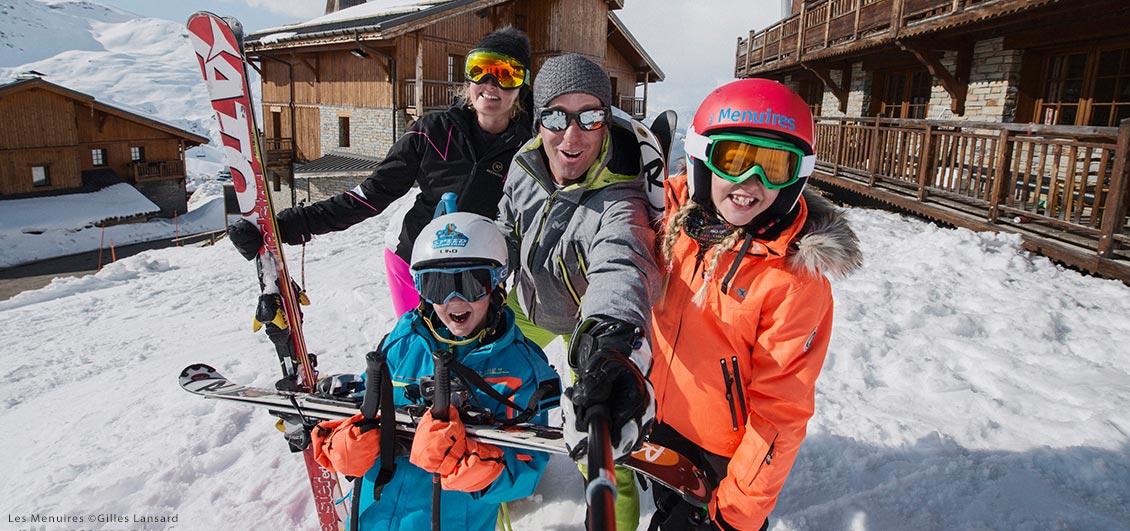 Family of skiers, Les Menuires ©Gilles Lansard