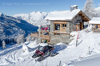 Overview of Les Marquises mountain restaurant at Sainte Foy Tarentaise, showing panoramic views.