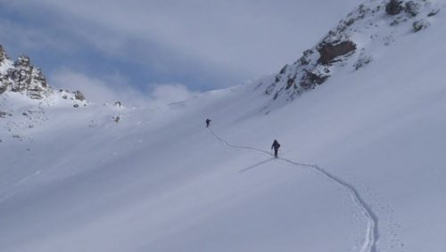 Skiing up to the Col Freissinous