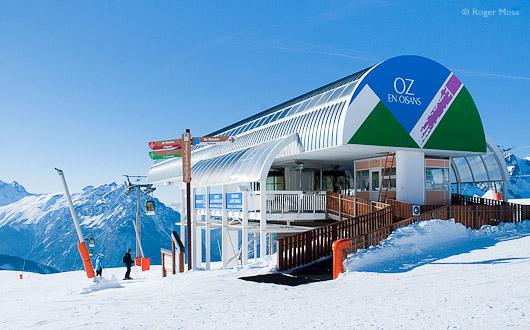Top station of the Oz-en-Oisans gondola to Alpe d'Huez