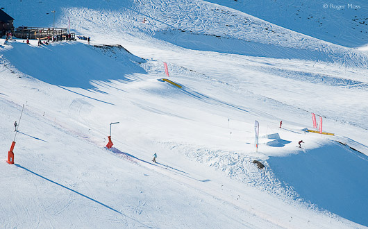 Peyragudes snowpark and restaurant terrace