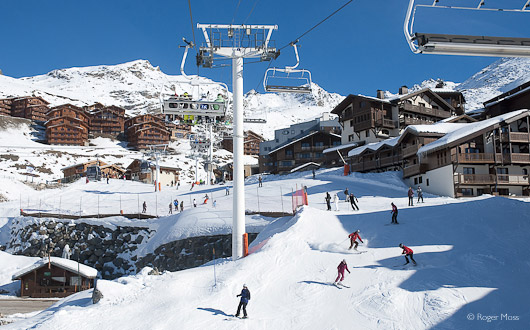 Skiers below the Plein Sud chairlift, Val Thorens