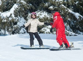 Snowboarder private lesson with ESF instructor