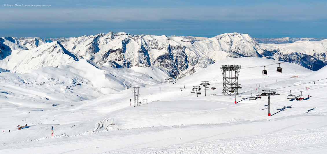 Overview of ski area and mountains above Les Deux Alpes