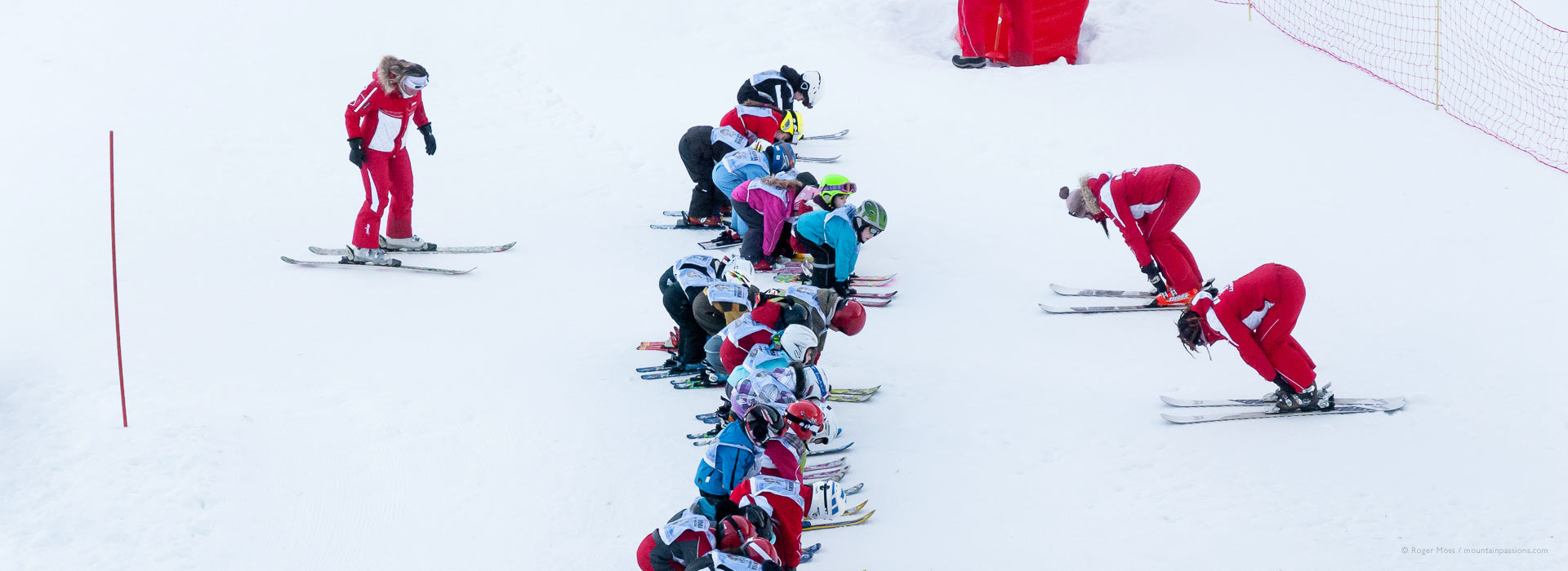 Overview of children's ski lesson with ESF instructors