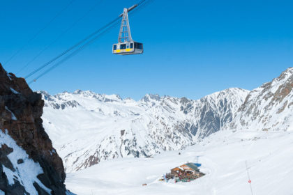 Cable car and mountain restaurant, Vaujany
