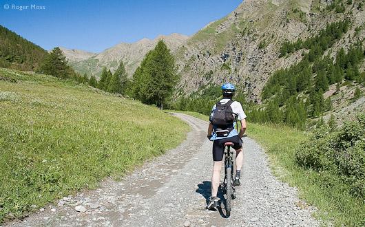 Cycling the Col du Parpaillon