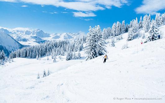 Off-piste after fresh snow, La Plagne