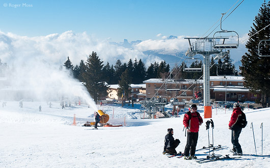 Snow-making on beginners area, Chamrousse