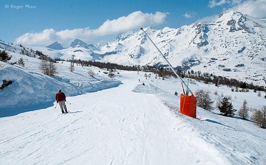 Skier on Marmottes piste, Le Devoluy
