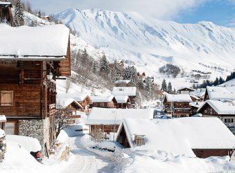 Le Chinaillon village under snow.
