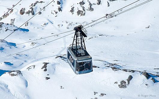 Pic Blanc cable car Alpe d'Huez