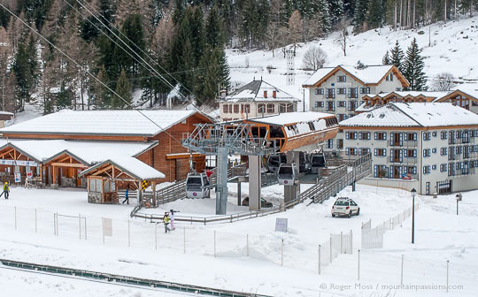 Overview of gondola ski lift, ski-pass offices and apartments in Vallorcine