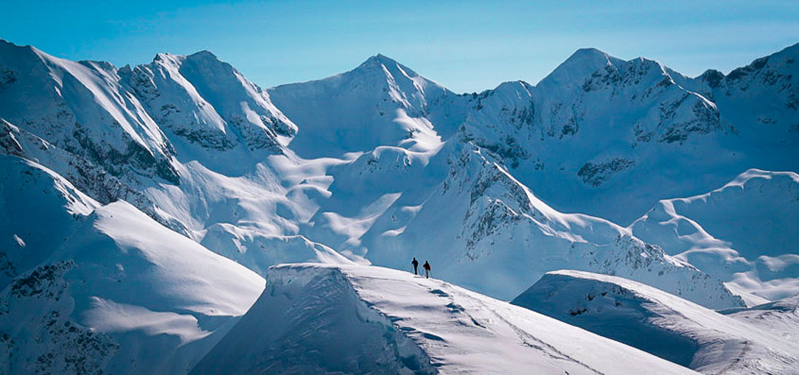 Snowshoe group in Pyrenees, France Image © O. Guix