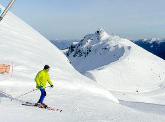 skier on piste at Les 7 Laux